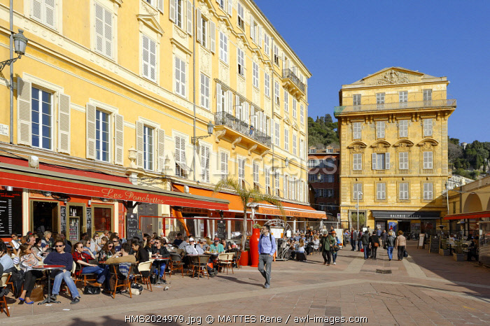 France, Alpes-Maritimes, Nice, old town, cours Saleya, place Charles Felix
