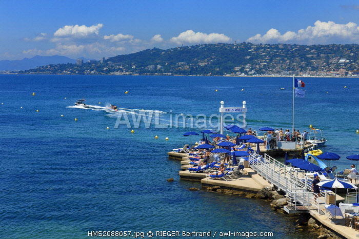 France, Alpes Maritimes, Antibes, Juan les Pins, water skiing and Belle Rives hotel pontoon