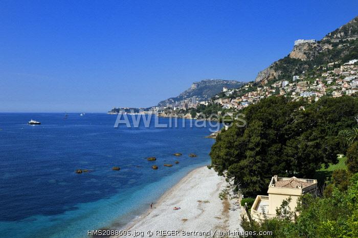 France, Alpes Maritimes, Roquebrune Cap Martin, Cap Martin, coastal footpath, Promenade Le Corbusier, the Principality of Monaco in the background