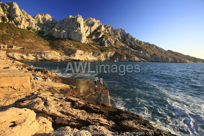 France, Bouches du Rhone, Marseille, Creeks National Park, Fishermen at the Croisette cape in front of the Maïre island