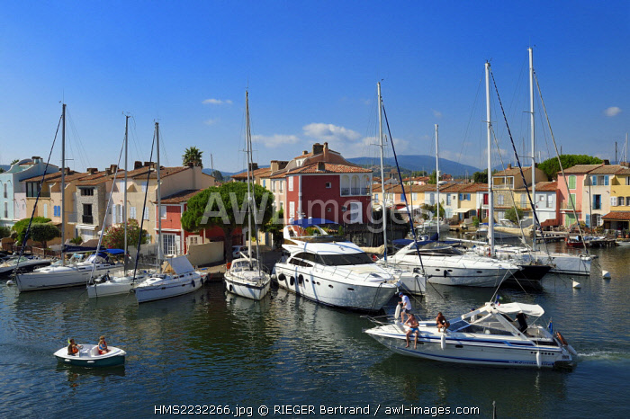 France, Var, Gulf of St Tropez, the Port Grimaud seaside town, houses with private jetty