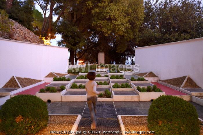 France, Var, Hyeres, Villa Noailles, architect Robert Mallet Stevens, cubist garden by Gabriel Guevrekian