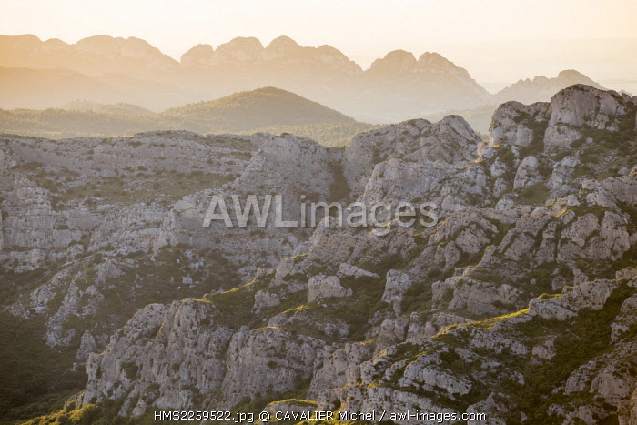 France, Bouches du Rhone, Eyguières, Massif of Alpilles, Regional Natural reserve of Alpilles, blocks Rocky Mountains of Civadières