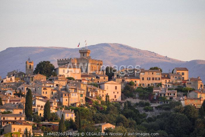 France, Alpes Maritimes, Cagnes sur Mer, Haut de Cagnes district, the old medieval city and the 14th century chateau Grimaldi