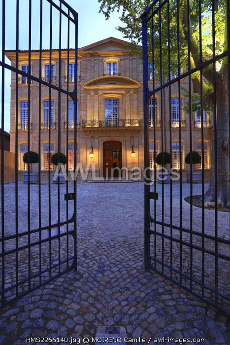 France, Bouches du Rhone, Aix en Provence, Mazarin quarter, Rue Joseph Cabassol, Caumont Art Center, Honorary Course