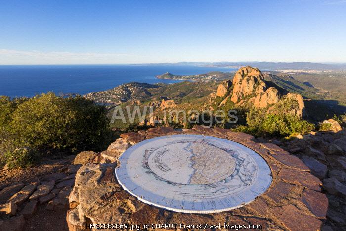 France, Var, Saint Raphael, Corniche de l'Esterel, massif de l'Esterel, Agay, Orientation Table at the top of the Cap Roux
