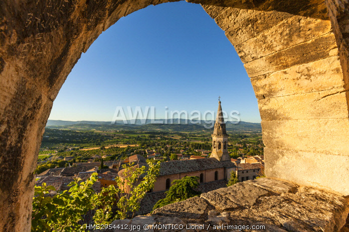 France, Vaucluse, Luberon, Saint Saturnin les Apt, the church