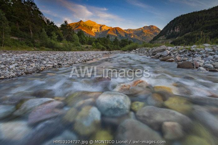 France, Hautes-Alpes, Drac valley of Champoleon, Drac Blanc