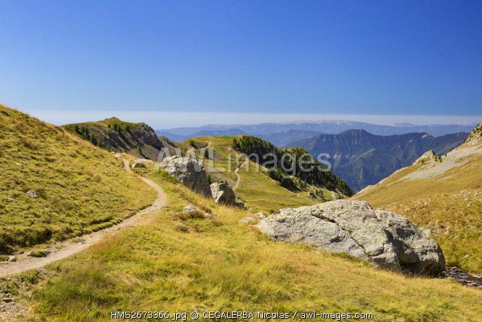France, Alpes Maritimes, Valdeblore, hiking trail near the Millefonts' lakes