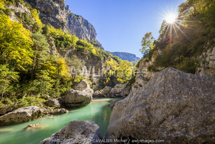 France, Alpes de Haute-Provence, regional natural reserve of Verdon, Grand Canyon of Verdon, The river of Verdon in the entrance of the corridor Samson, since the path Blanc-Martel on the GR4