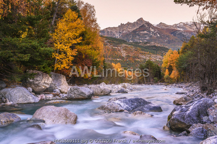 France, Hautes Alpes, Brianconnais region, Vallouise valley, Les Vigneaux, Gyronde river