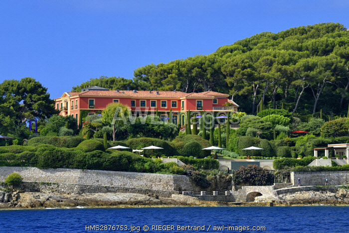 France, Alpes Maritimes, Saint Jean Cap Ferrat, pointe de Saint Hospice, the villa Fiorentina built in 1919 is one of the most beautiful domain of the French Riviera, underneath passes the coastal path