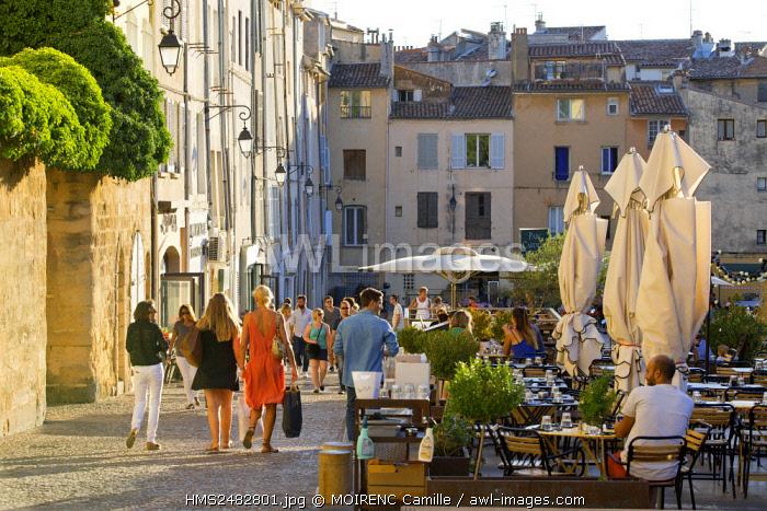 France, Bouches du Rhone, Aix en Provence, Cardeurs place