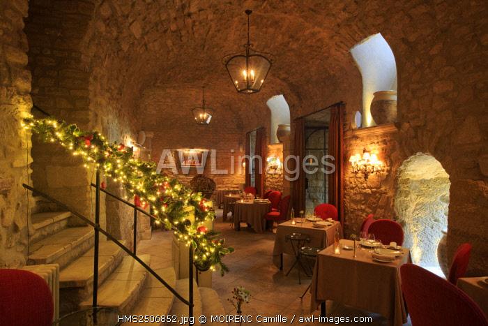 France, Vaucluse, Crillon le Brave, Hotel Crillon Le Brave, restaurant