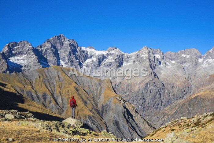 France, Hautes Alpes, Ecrins National Park, La Chapelle en Valgaudemar, hike to Vallonpierre refuge (alt : 2271m), Les Rouies (alt : 3589 m) in the background