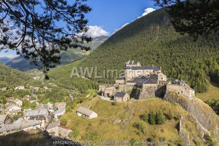 France, Hautes Alpes, Parc Naturel Regional du Queyras (Natural regional park of Queyras), Château-Ville-Vieille, Fort Queyras (1400m), medieval citadel restored by Vauban in 1700