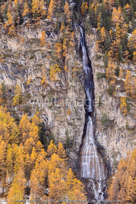 France, Hautes Alpes, regional natural reserve of Queyras, cascade de la Pisse