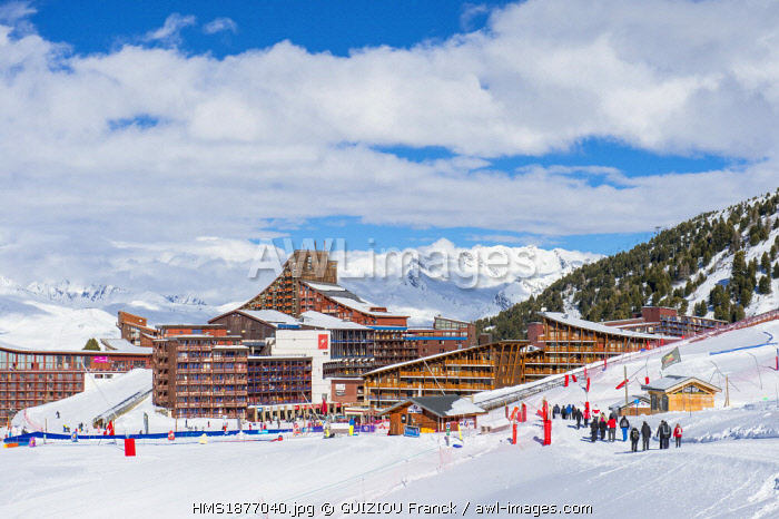 France, Savoie, Vanoise massif, valley of Haute Tarentaise, Les Arcs 2000, part of the Paradiski area with over 425 km of ski slopes