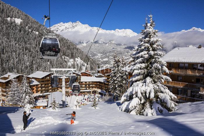 France, Savoie, Maurienne Valley, Modane, Valfrejus ski resort, Arrondaz cable car, view of the Vanoise massif