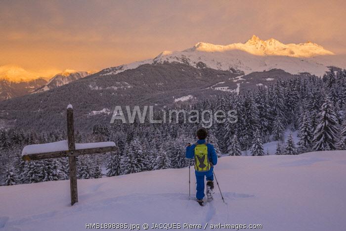 France, Savoie, Massif de la Vanoise, Meribel les Allues, hiking on La Traie, view on the Dent de Burgin or Croix de Verdon (2739m)