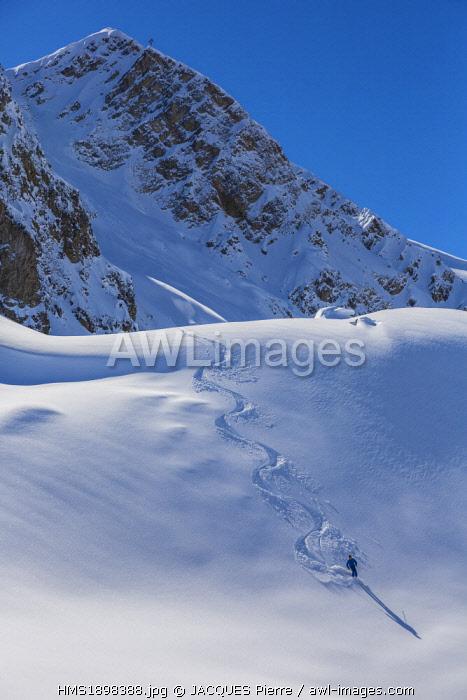 France, Savoie, Massif de la Vanoise, Meribel, Courchevel, ski powdery since the Rocher de la Loze