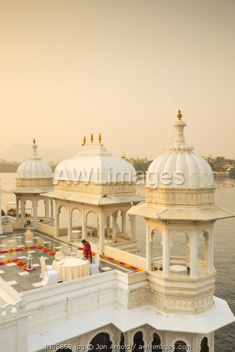 awl-images.com - India / Taj Lake Palace, Lake Pichola, Udaipur, Rajasthan, India