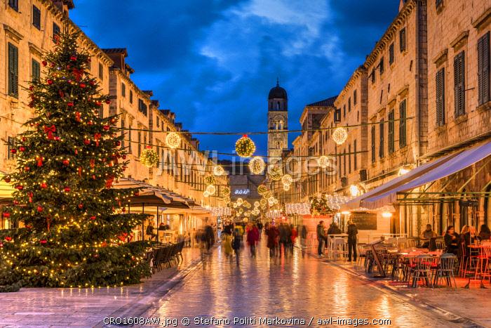 Stradun pedestrian street adorned with Christmas lights and decorations,  Dubrovnik, Croatia - Www.awl-images.com Stradun Pedestrian Street Adorned With Christmas