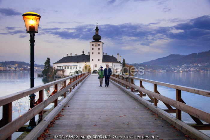 Austria, Upper Austria, Traunsee Lake, Gmunden, Ort Castle
