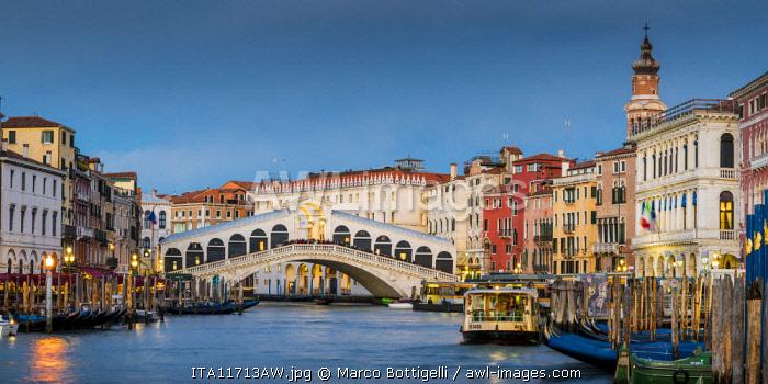 Rialto bridge at dusk, Venice, Veneto, Italy.