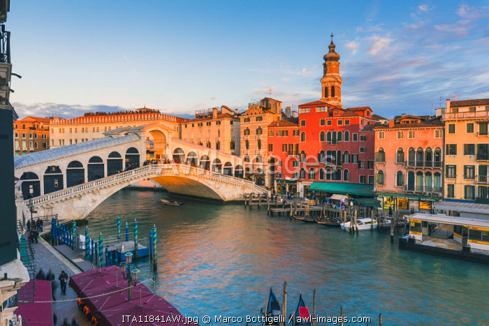 Rialto bridge at sunset, Venice, Veneto, Italy.