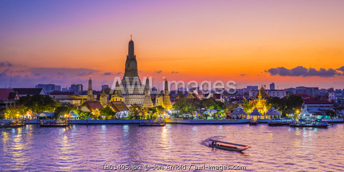 Wat Arun (Temple of Dawn) and Chao Praya River, Bangkok, Thailand