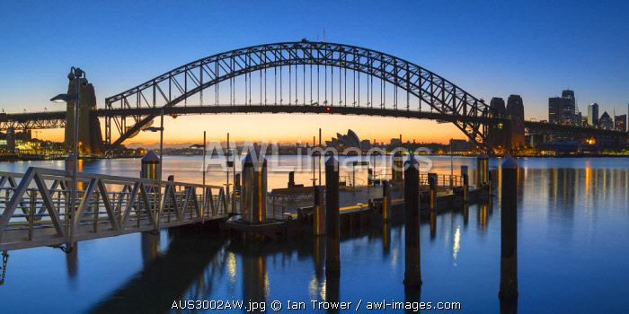 awl-images.com - Australia / Sydney Harbour Bridge from McMahons Point at sunrise, Sydney, New South Wales, Australia