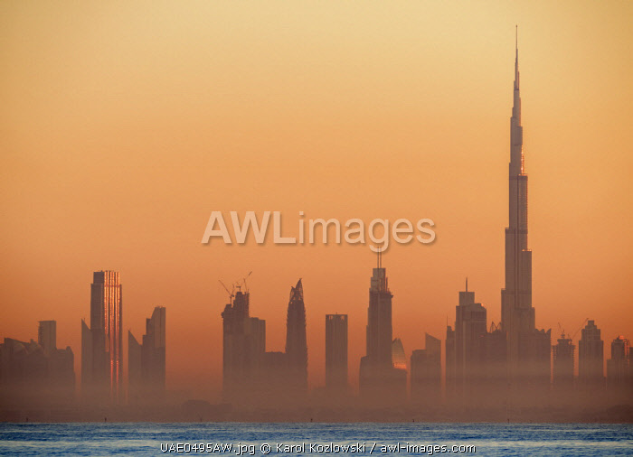 awl-images.com - United Arab Emirates / City Centre Skyline seen from Palm Jumeirah artificial island at sunrise, Dubai, United Arab Emirates