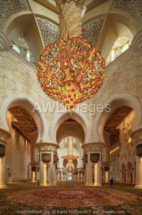 Sheikh Zayed bin Sultan Al Nahyan Grand Mosque, interior, Abu Dhabi, United Arab Emirates