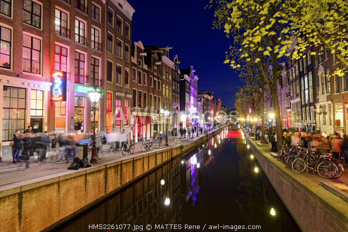 awl-images.com - Holland / Netherlands, Northern Holland, Amsterdam, red District, Oudezijds Achterburgwal canal