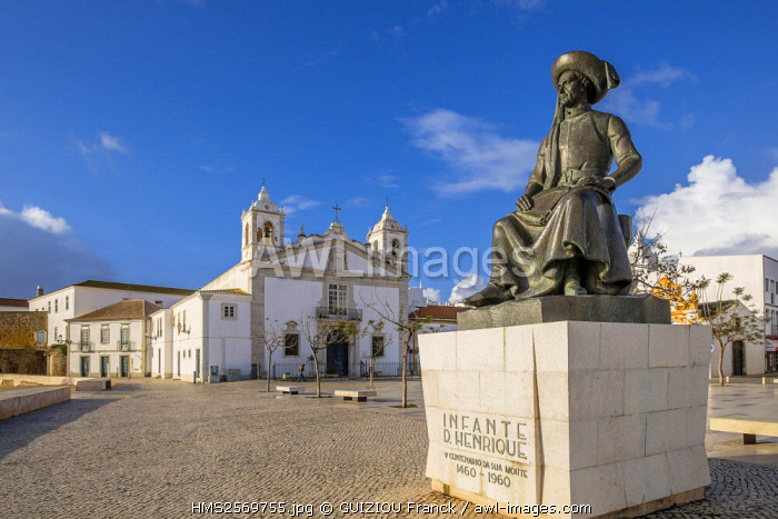 awl-images.com - Portugal / Portugal, Algarve region, Lagos, Santa Maria church and statue of Henry the Navigator or Infante Dom Henrique, Prince of Portugal