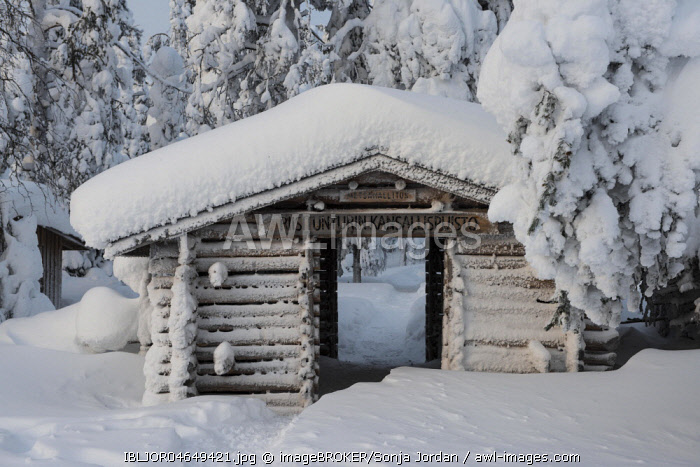 Wooden cabin, entrance, Riisitunturi National Park, Posio, Lapland, Scandinavia, Finland, Europe