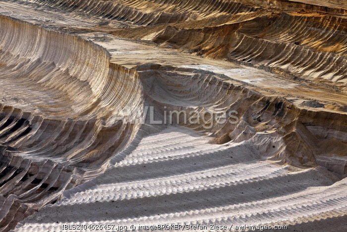 Open-cast lignite mine, detail, Garzweiler, Juchen, Rheinisches Braunkohlerevier, North Rhine-Westphalia, Germany, Europe
