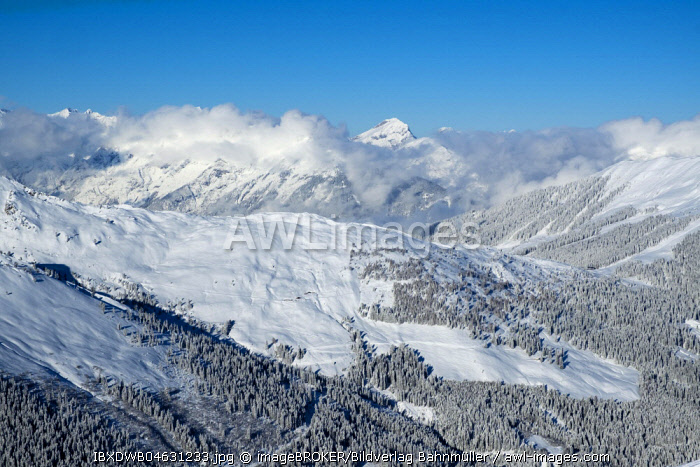 Sonnjoch in the Karwendel Mountains over the foothills of the Sonntagskopfl, view from the slopes of the Marchkopf near Hochfugen, Zillertal, Tyrol, Austria, Europe