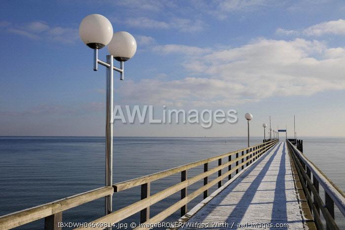 Pier, baltic sea coast, Haffkrug, Scharbeutz, Lubeck Bay, Schleswig-Holstein, Germany, Europe