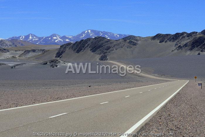 Paso de San Francisco pass road through volcanic landscape, province of Catamarca, Argentina, South America