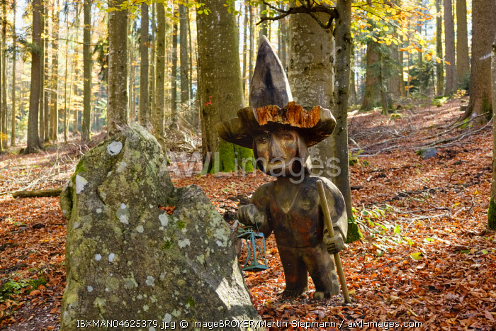 Jackl figurine at the Brotjacklriegel, region Sonnenwald, Bavarian Forest, Lower Bavaria, Bavaria, Germany, Europe