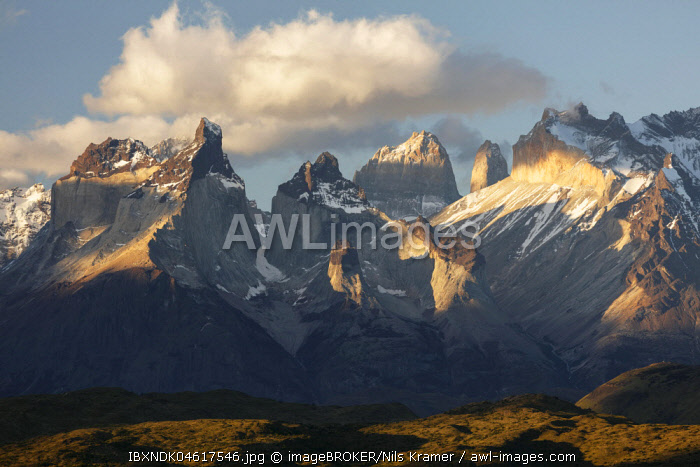 Mountains Cuernos del Paine in the evening light, National Park Torres del Paine, Region de Magallanes Antartica, Chile, South America
