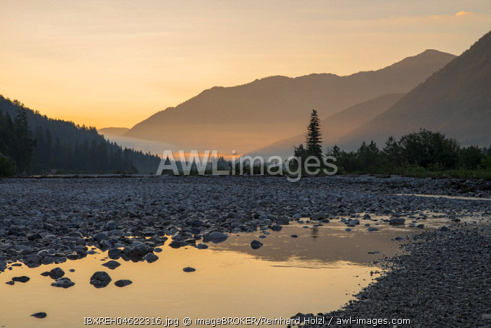 Upper Isar, Morning Mood, Vorderriss, Bavaria, Germany, Europe