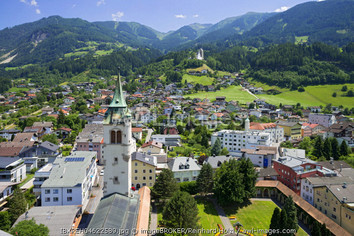 Stadtpark Schwaz with the new bell tower of the parish church Maria Himmelfahrt, in the back the castle Freundsberg and the Kellerjoch, seen from the old bell tower, Schwaz, Tyrol, Austria, Europe