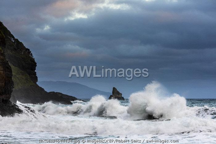 Stormy waves at the sea, coast Baía do Cedros, Cedros, island of Flores, Azores, Portugal, Europe