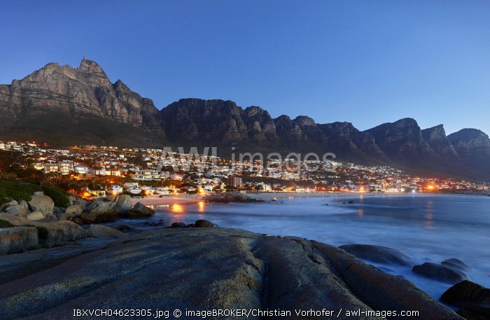 Camps Bay with mountain chain Table Mountain and Twelve Apostles, Cape Town, Western Cape, South Africa, Africa