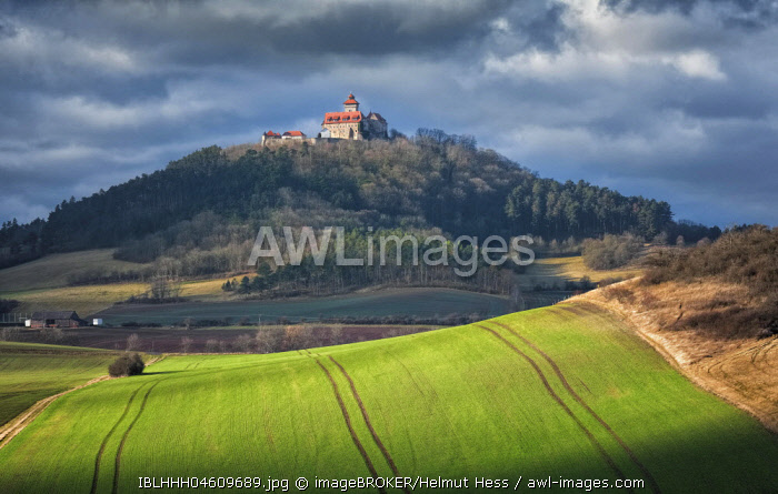 Autumnal fields with furrows at castle Wachsenburg, one of the Drei Gleichen, Thuringia, Germany, Europe