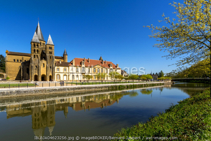 Paray le Monial, Basilica of The Sacred Heart, romanesque church, a pilgrimage site on the river Bourbince, Saône et Loire department, France, Europe