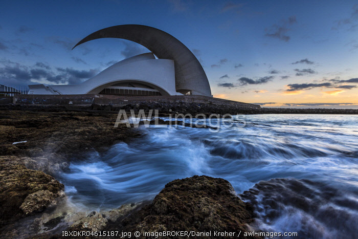 Auditorio de Tenerife, concert hall, evening mood, architect Santiago Calatrava, Santa Cruz de Tenerife, Tenerife, Canary Islands, Spain, Europe